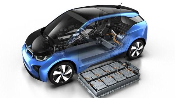 به احتمال زیاد قیمت خودروهای هیبریدی کاهش می یابد