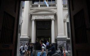 بانک مرکزی آرژانتین نرخ بهره را به ۴۰ درصد افزایش داد